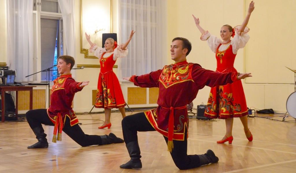 Koncert ruskog vojnog plesno pevačkog Ansambla
