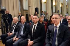 """Predsednik Aleksandar Vučić odlikovao UA MO """"Stanislav Binički"""""""